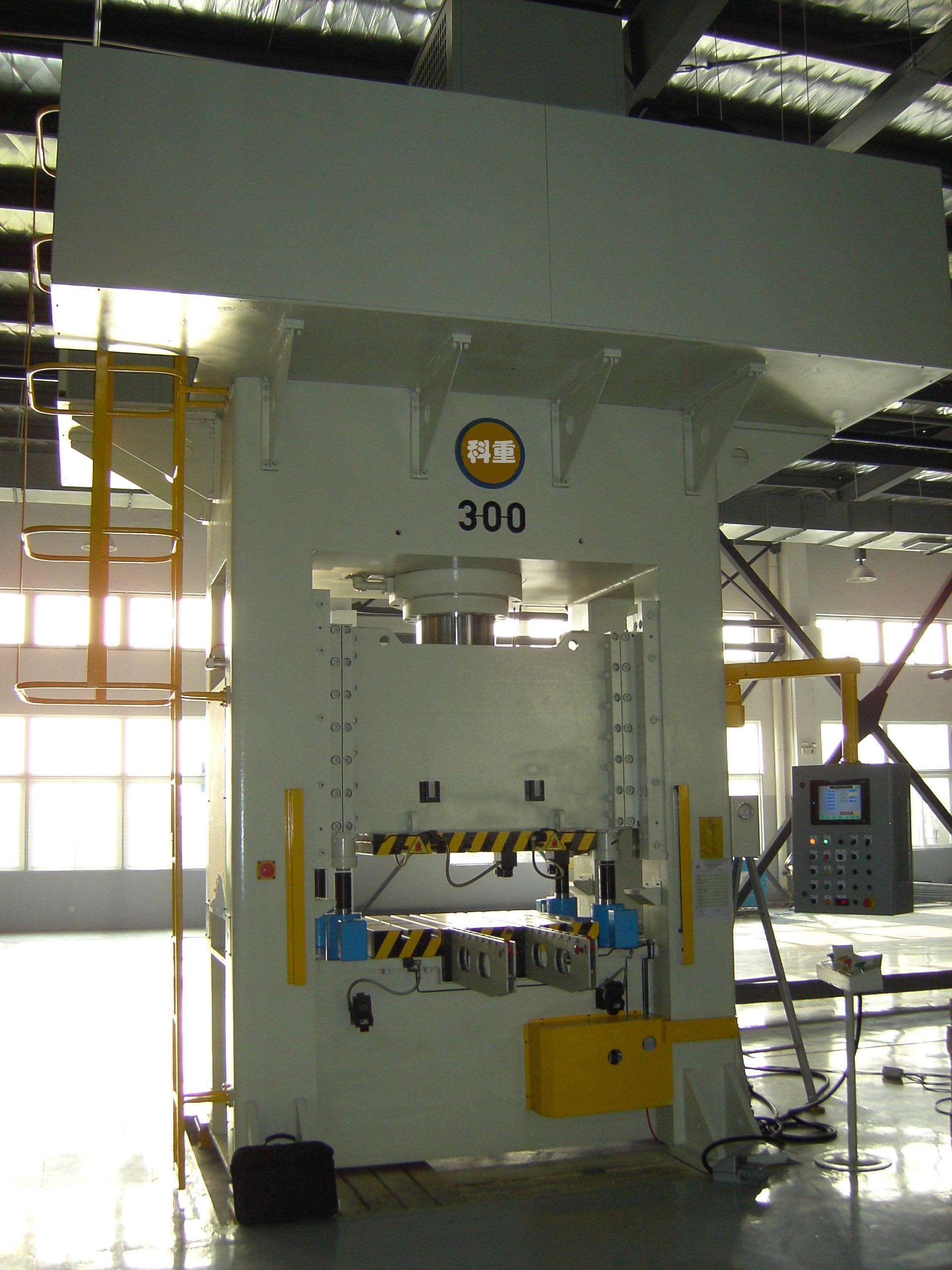 伺服框架导轨式拉深液压机